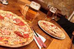 Pizza in restaurant Royalty Free Stock Photos