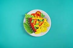 Pizza robić od papieru Dwa kawałka pizza Składniki dla kucharstwa obrazy royalty free