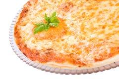 Pizza saboroso de quatro queijos imagem de stock royalty free