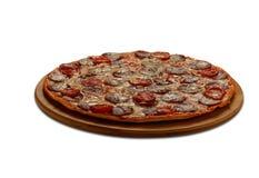 Pizza-Salami Auf weißem Hintergrund Stockfoto