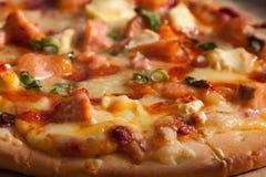 Pizza salmon do woodfire do marisco Fotografia de Stock