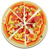 Pizza-Scheiben auf der Platte Stockbilder