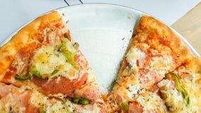Pizza senza una fetta Fotografia Stock