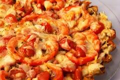 Pizza som är hemlagad med ost Royaltyfria Foton