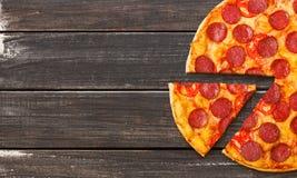 Pizza som går begrepp arkivbilder