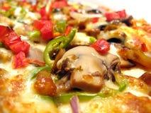 Pizza squisita con il fungo fotografie stock libere da diritti