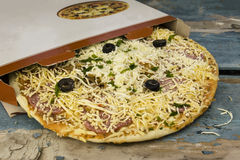 Pizza surgelée photographie stock