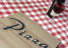 Pizza Togo con el vino Fotografía de archivo