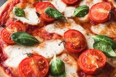 Pizza tradicional del margarita Foto de archivo