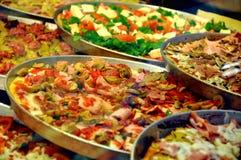 Pizza tradicional italiana foto de archivo libre de regalías