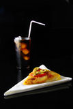 Pizza und Getränk Stockfoto