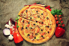 Pizza with vegetables and herbs rustic Royalty Free Stock Photography