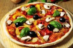 Pizza vegetaria Stockbilder