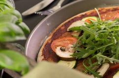 Pizza vegetariana casalinga Immagine Stock