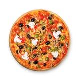 Pizza vegetariana deliciosa con los tomates, las setas y las aceitunas imagenes de archivo