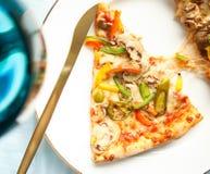 pizza - włoscy kuchnia przepisy projektowali pojęcie obraz royalty free
