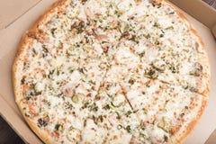 Pizza w pizzy pudełku Obrazy Royalty Free