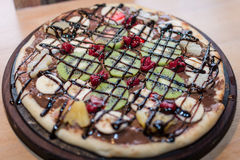 Pizza whit fruit and chocolate Royalty Free Stock Photos