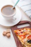 Pizza y café Foto de archivo libre de regalías