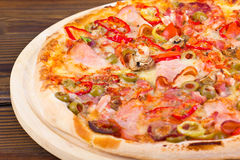 Pizza z baleronem obrazy royalty free