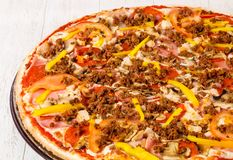 Pizza z minced mięsem zdjęcie royalty free