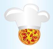 Pizza z szef kuchni kapeluszem Zdjęcia Royalty Free