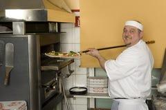 Pizzabäcker lizenzfreie stockfotografie