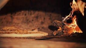 Pizzabacken stock video