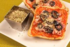 Pizzabröd royaltyfria foton