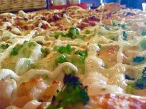 Pizzabrokkoli und -ranch Stockfotografie