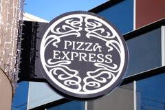 PizzaExpress logotecken Fotografering för Bildbyråer