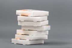 Pizzakästen auf einem grauen Hintergrund isolat Lizenzfreies Stockfoto