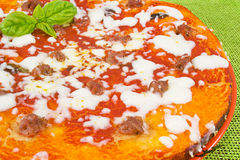 pizzakorvtomater arkivfoto
