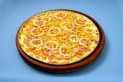 Pizzamozzarella med ervilhahavre- och lökcirklar 1 Royaltyfria Foton