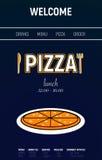 Pizzawebsite mit Menülinie, Gabel und minimaler Sportart des Messers auf blauem Hintergrund Stockfotografie