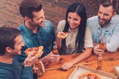 Pizzazeit stockfotografie