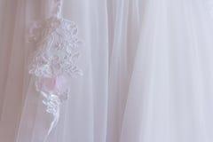 Pizzo bianco del vestito Fotografia Stock