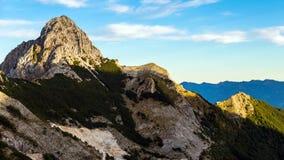 Pizzo d 'Uccello, parque de naturaleza de las montañas de Apuan, Toscana, Italia fotografía de archivo libre de regalías