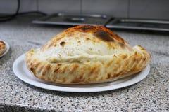 Pizzy calzone Italia Nasiąknięta karmowa restauracja Napoli Obrazy Stock