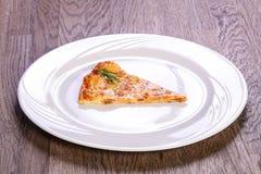 Pizzy Margarita plasterek fotografia royalty free