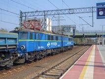 PKP-lastlokomotiv på den Warszawa Gdanska terminalen royaltyfri bild