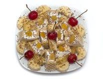 Plátano del postre del helado - cerezas congeladas Imagen de archivo libre de regalías