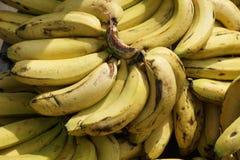 Plátano en el mercado fotos de archivo