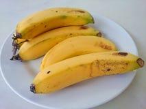 Plátano en la tabla Fotografía de archivo libre de regalías