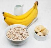 Plátano y muesli Fotos de archivo libres de regalías