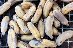 Plátanos en la estufa Imagen de archivo libre de regalías