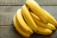 Plátanos maduros amarillos Imagen de archivo libre de regalías