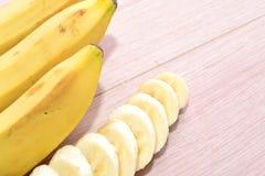Plátanos maduros apetitosos Imagenes de archivo