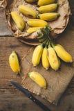 Plátanos maduros frescos Fotos de archivo libres de regalías
