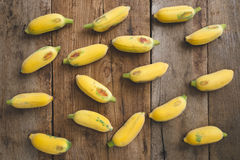 Plátanos maduros frescos Imagen de archivo libre de regalías